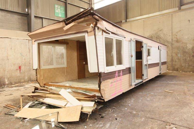 deconstruction mobile-home