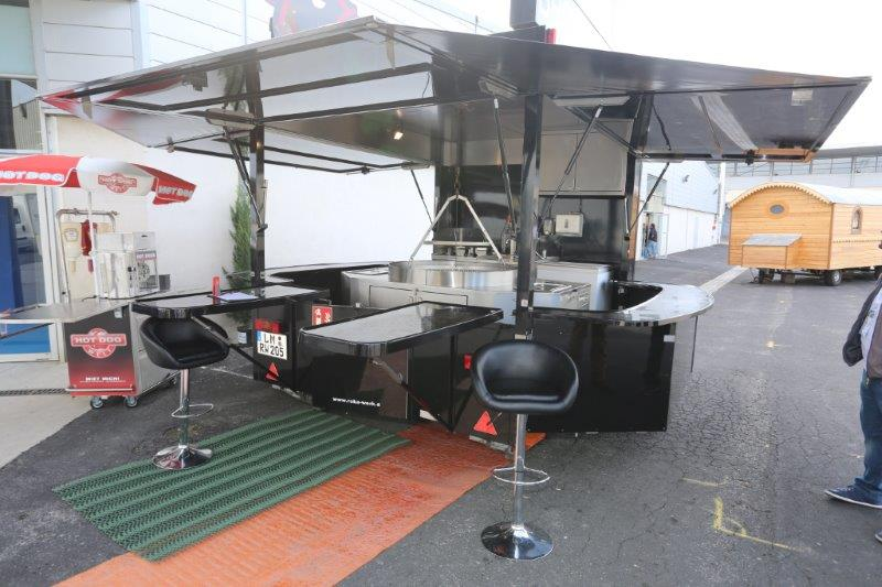 L 39 officiel des terrains de camping for Remorque cuisine mobile